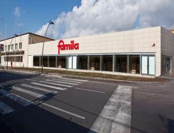 Un supermercato Famila del Gruppo distributivo Selex